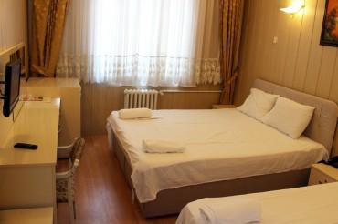 Double + 1 Yataklı Oda
